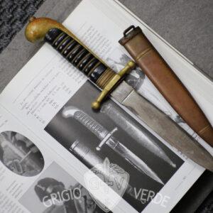 Raro pugnale testone modello 1923 variante M.V.S.N.